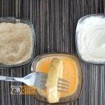 sajtos-sonkás hagymakarika recept elkészítése 5. lépés