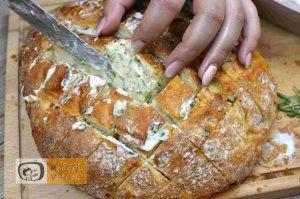 Sajtos fűszeres töltött kenyér recept, sajtos fűszeres töltött kenyér elkészítése 3. lépés