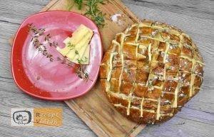 Sajtos fűszeres töltött kenyér recept, sajtos fűszeres töltött kenyér elkészítése 4. lépés