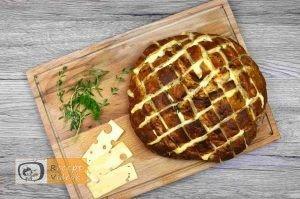 Sajtos fűszeres töltött kenyér recept, sajtos fűszeres töltött kenyér elkészítése 5. lépés