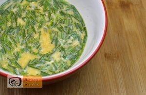 Maci omlett recept, maci omlett elkészítése 2. lépés