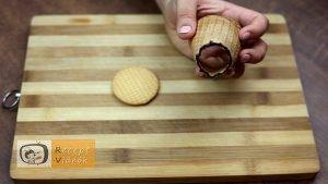 csokival töltött édestölcsér csésze recept elkészítése 2. lépés