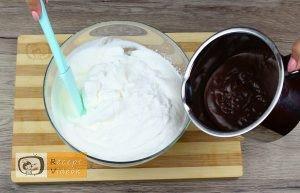Kekszes jégkrémtorta recept, kekszes jégkrémtorta elkészítése 2. lépés
