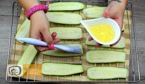 Cukkini tekercsek recept, cukkini tekercsek elkészítése 5. lépés