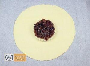 Töltött camembertes buci recept elkészítése 4. lépés