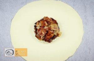 Töltött camembertes buci recept elkészítése 5. lépés