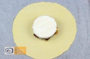 Töltött camembertes buci recept elkészítése 6. lépés