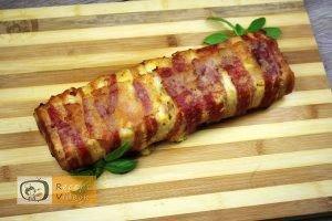 Csirkemell receptek:Baconös-sajtos csirkemell őzgerinc formában elkészítése 8. lépés