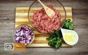 Sajttal töltött húsgolyó recept, sajttal töltött húsgolyó elkészítése 2. lépés