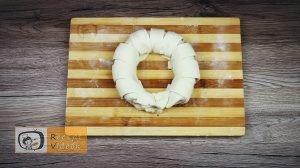 mogyorókrémes banánkoszorú recept elkészítése 5. lépés