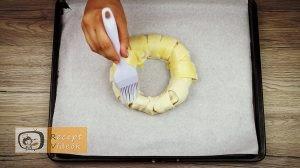 mogyorókrémes banánkoszorú recept elkészítése 6. lépés
