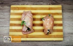 Csirkemell receptek:Csirkemelltekercs rukkolás fetasajttal töltve elkészítése 4. lépés