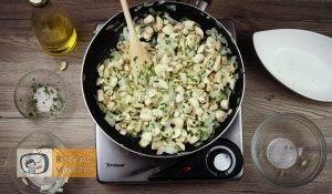 Sajtos-gombás csirkemell recept, sajtos-gombás csirkemell elkészítése 1. lépés