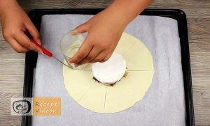 Töltött camembertes buci recept elkészítése 8. lépés