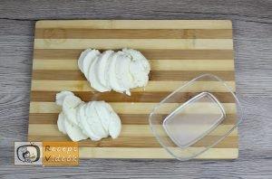 Mozzarellás paradicsomos csirke recept elkészítése 3. lépés