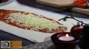 EGYSZERŰ HALLOWEEN SÜTI RECEPTEK - múmia pizza 1. lépés