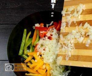 csirkés zöldséges penne recept, csirkés zöldséges penne elkészítése 2. lépés