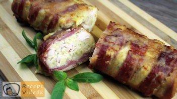 Csirkemell receptek:Baconös-sajtos csirkemell őzgerinc formában elkészítése - Recept Videók