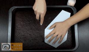 EGYSZERŰ HALLOWEEN SÜTI RECEPTEK - koporsó torta 2. lépés