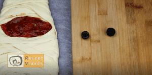 EGYSZERŰ HALLOWEEN SÜTI RECEPTEK - múmia pizza 4. lépés