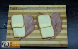 Töltött csirkemell mustáros besamel mártással - Csirkemell receptek elkészítése 4. lépés