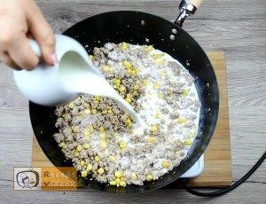 Tejszínes-kukoricás penne recept, tejszínes-kukoricás penne elkészítése 2. lépés