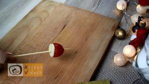 Karácsonyi diy kreatív recept ötletek, asztaldíszek - Mikulás sapka 2. lépés