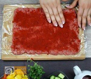 Húsos-makaróni tekercs recept, húsos-makaróni tekercs elkészítése 2. lépés