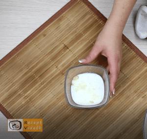 Kókuszbundás kekszszalámi recept, kókuszbundás kekszszalámi elkészítése 2. lépés