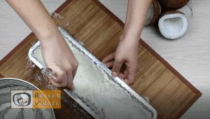 Kókuszbundás kekszszalámi recept, kókuszbundás kekszszalámi elkészítése 6. lépés