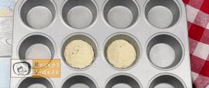 sajtos-baconös tojásmuffin recept, sajtos-baconös tojásmuffin elkészítése 2. lépés