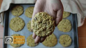 Csokis-zabpelyhes keksz recept, csokis-zabpelyhes keksz elkészítése 8. lépés