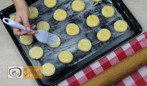 Sajtos pogácsa recept, sajtos pogácsa elkészítése 9. lépés