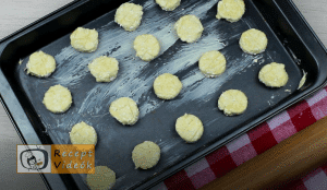 Túrós pogácsa recept, túrós pogácsa elkészítése 5. lépés
