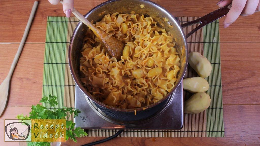 Krumplis tészta recept, krumplis tészta elkészítése 3. lépés