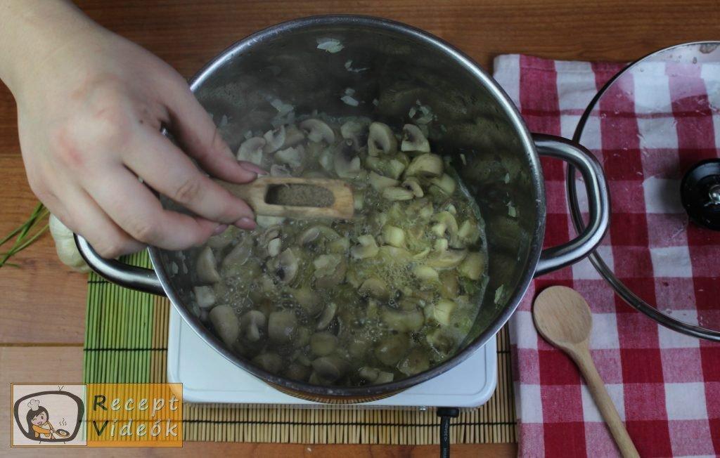 Tejfölös gombapörkölt recept, tejfölös gombapörkölt elkészítése 4. lépés