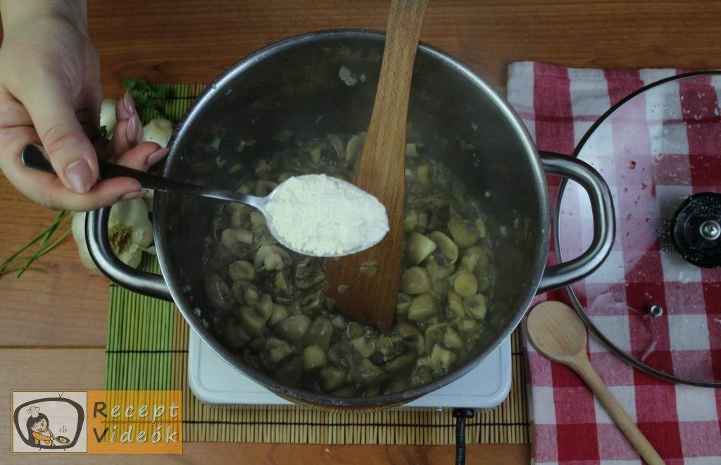 Tejfölös gombapörkölt recept, tejfölös gombapörkölt elkészítése 6. lépés
