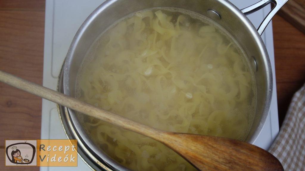 Grízes tészta recept, grízes tészta elkészítése 1. lépés