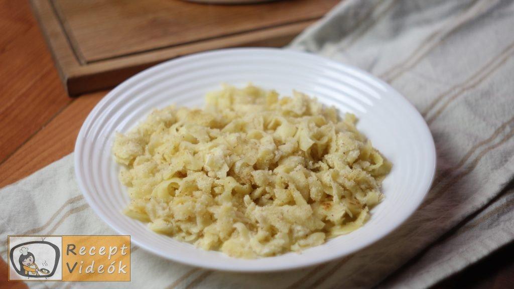 Grízes tészta recept, grízes tészta elkészítése 4. lépés