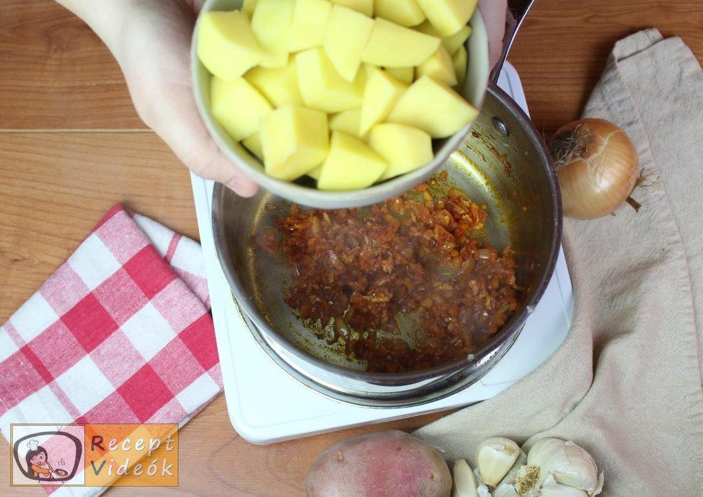 Paprikás krumpli recept, paprikás krumpli elkészítése 3. lépés