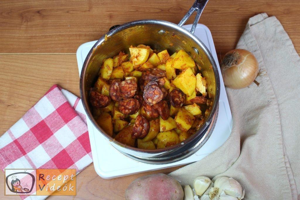 Paprikás krumpli recept, paprikás krumpli elkészítése 4. lépés