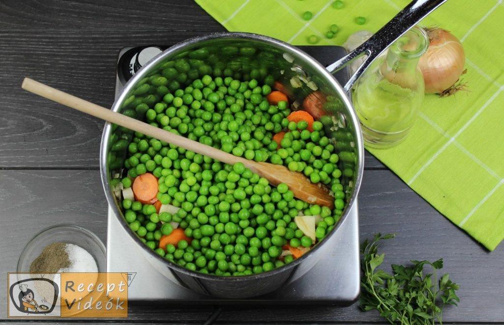 Zöldborsóleves csipetkével recept elkészítése 2. lépés