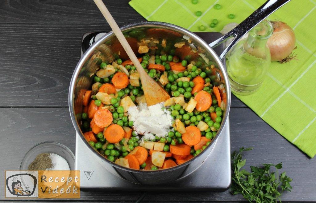Zöldborsóleves csipetkével recept elkészítése 4. lépés
