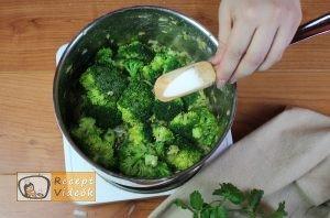 Brokkoli krémleves recept, brokkoli krémleves elkészítése 4. lépés