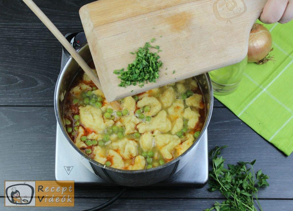 Zöldborsóleves csipetkével recept elkészítése 9. lépés