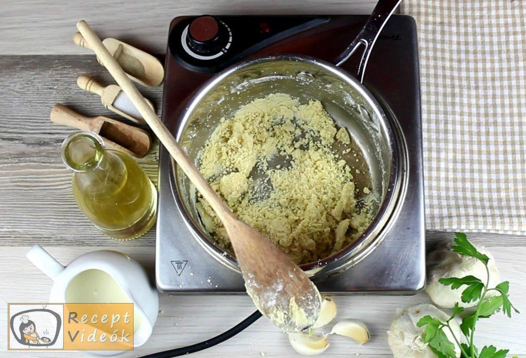 Fokhagymakrémleves recept, fokhagymakrémleves elkészítése 2. lépés
