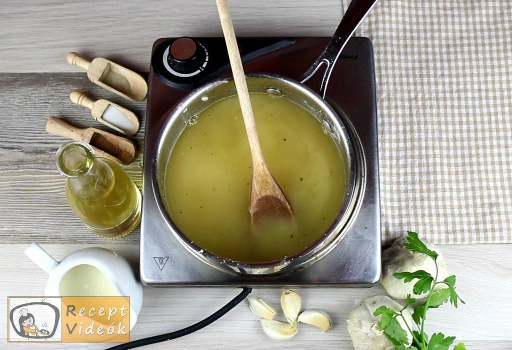 Fokhagymakrémleves recept, fokhagymakrémleves elkészítése 3. lépés