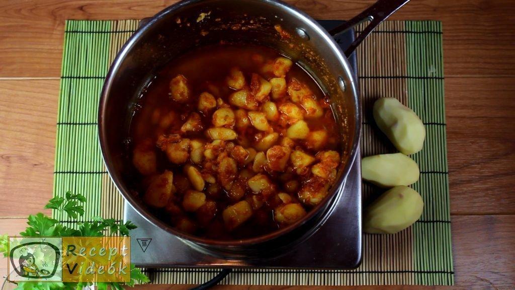 Krumplis tészta recept, krumplis tészta elkészítése 2. lépés