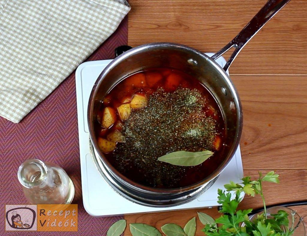 Krumplifőzelék recept, krumplifőzelék elkészítése 2. lépés