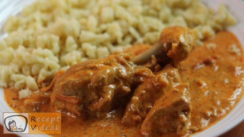 Tejfölös csirkepaprikás recept, tejfölös csirkepaprikás elkészítése - Recept Videók